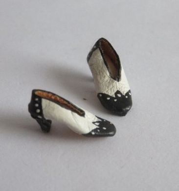 Dollhouse Miniature Pair of Ladies Boots in White Metal by Warwick Miniatures
